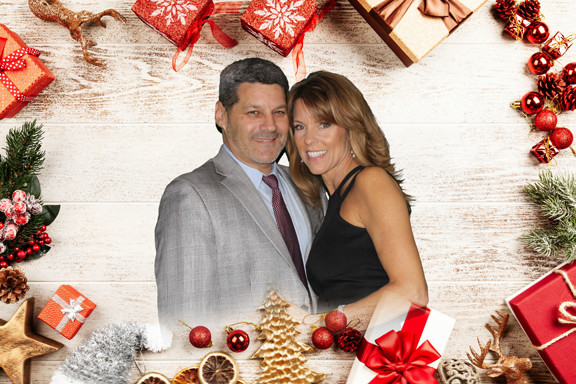 Photo booth holiday print using green screen