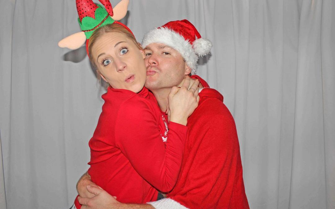 Happy Holidays Photo Booth